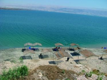 Можно и раздельно, пляж Неве-Мидбар («Оазис в пустыне»), пляжный комплекс, Мертвое море