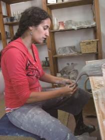 Глиняные стены «Адам ве-адама» («Человек и земля»), студия керамики, Алон-Швут